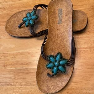 Size 7.5 Kenneth Cole turquoise bead sandals